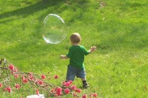 child-chasing-bubble